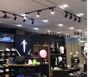 Đèn LED chiếu điểm Shop thời trang